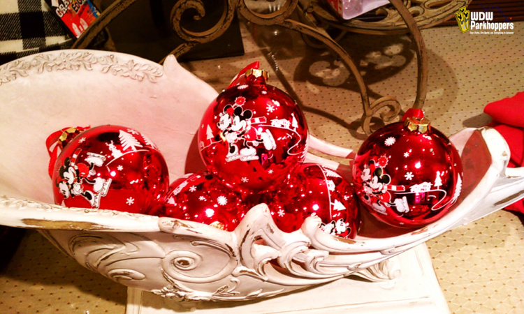 Disney hotel christmas decorations - Mickey And Minnie Mouse Tree Ornaments For Christmas At Walt Disney World Resort